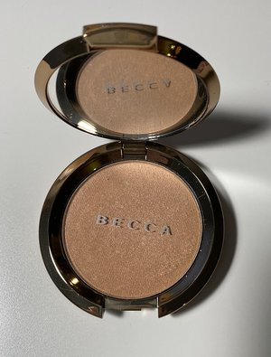 BECCA Champagne Dream Flashes Bellini Light Chaser Highlighter For Face & Eyes 0.23oz. USED.jpg