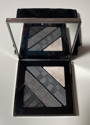BURBERRY Smokey Grey No.01 Complete Eye Palette USED.jpg