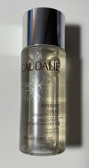 CAUDALIE Vinoperfect Concentrated Brightening Essence 50ml1.69oz. USED.jpg