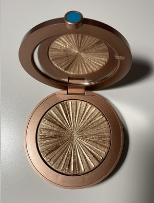 Estee Lauder Heat Wave Bronze Goddess Illuminating Powder Gelee USED.jpg