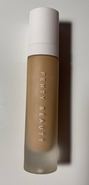 Fenty Beauty Pro Filt'r Soft Matte Long Wear Foundation #220  USED.jpg