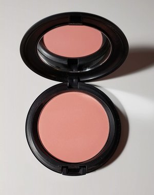 MAC Alpha Girl Beauty Powder USED.jpg