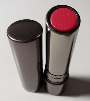 MAC Cantonese Carnation Huggable Lipcolour USED.jpg