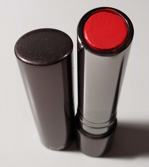 MAC Dramatical Huggable Lipcolour USED.jpg