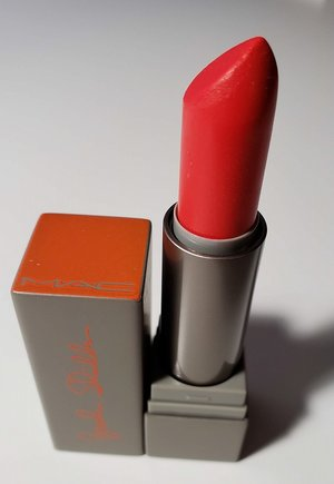 MAC Excite Cremesheen Lipstick (Brooke Shields) USED.jpg