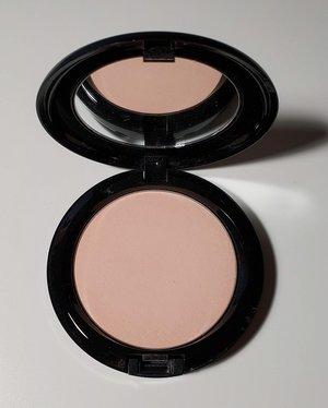 MAC Natural Beauty Powder (Maleficient) USED.jpg
